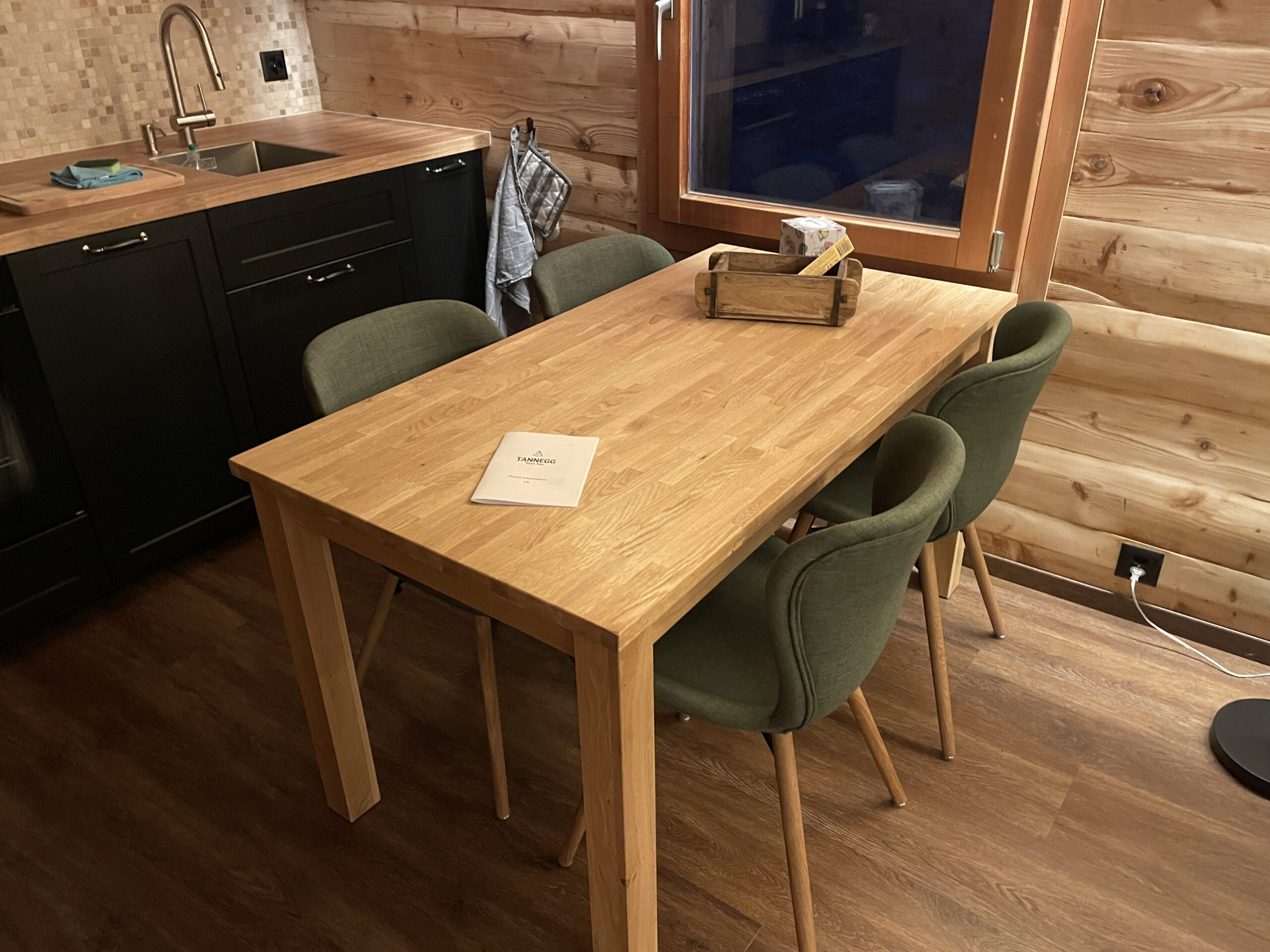 Chalet Tannegg Dining Table